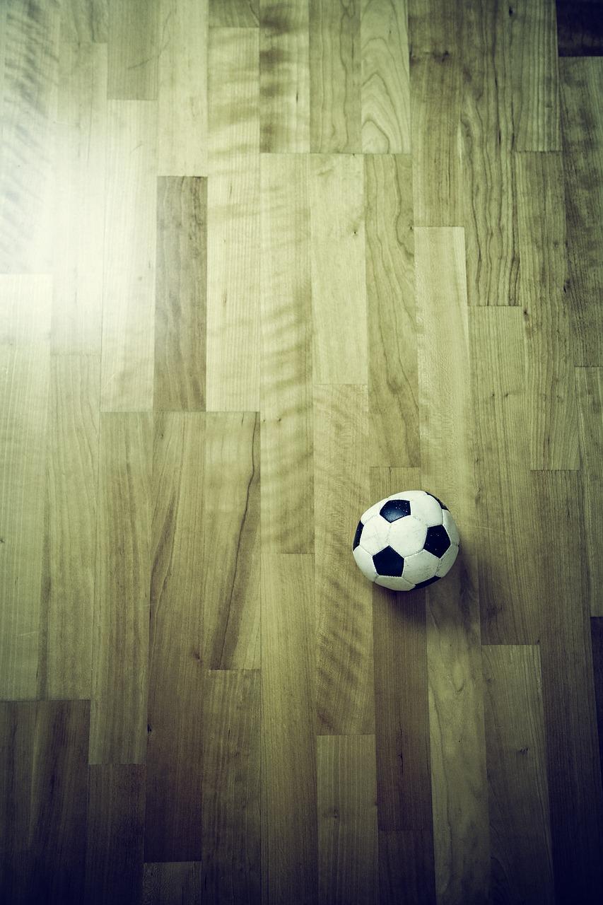 football-605289_1280