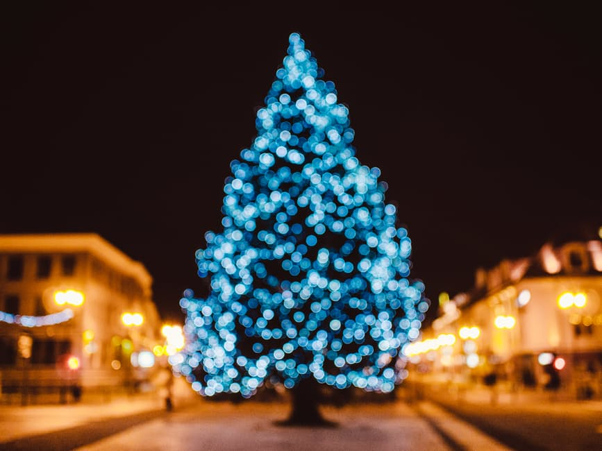city-tree-bokeh-christmas-21430-1